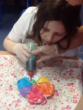 A2 pupil pic tie dying